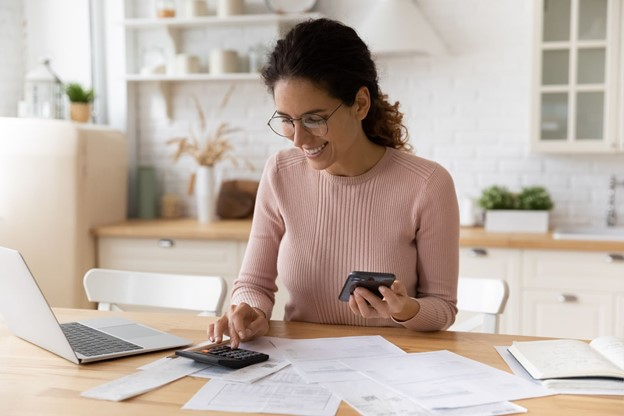 3 Ways to Save Money in Taxes